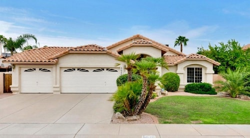Entire Beautiful Arizona Home, Prime Location, Family-friendly