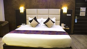 Premium bedding, free minibar items, in-room safe, desk
