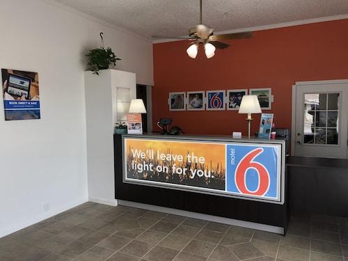 Check Expedia for Availability of Motel 6 Sullivan, MO