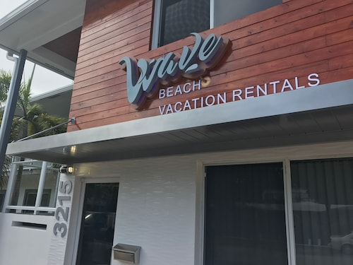 Wave Beach Vacation Rentals (USA 19823566 4.6) photo