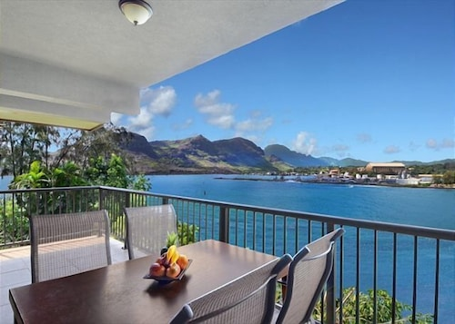 Kauai Cliff House Suite 77303 by RedAwning