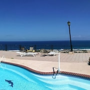 Panoramic Breathtaking Ocean Front 7 Bed. House + In-laws Suite~ Pool & Wifi