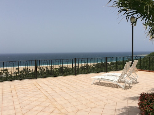 7 BD Panoramic Breathtaking Ocean Front House + In-laws Suite Wifi & Pool