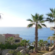 New Owner Special! - 2br/2ba - Oceanview/private Beach