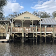 Cozy Waterfront Home! 2br/2ba Large Covered Deckfishing Dockfloating Boat Dock