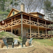 Perfect Getaway *lots 2 Do!* Fun Upscale Cabin & Great Nightly Rate!