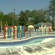Myrtle Beach Resort Condo and Umbrella/Chair Rental Included 	FS4107 by RedAwning