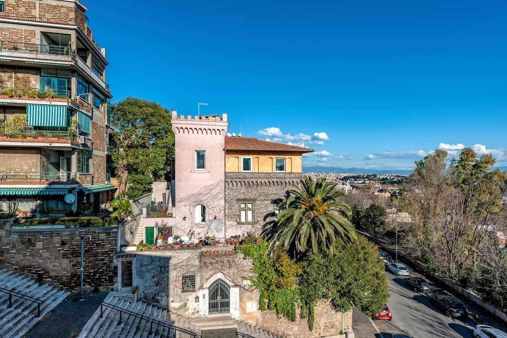 Beautiful Panoramic Apartment On Rome Rom Hotelbewertungen 2019