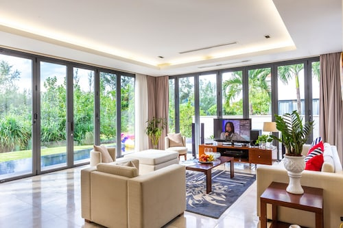 Ocean Luxury Villas Danang