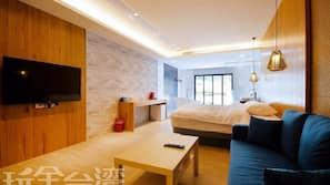 設計自成一格、書桌、窗簾、隔音