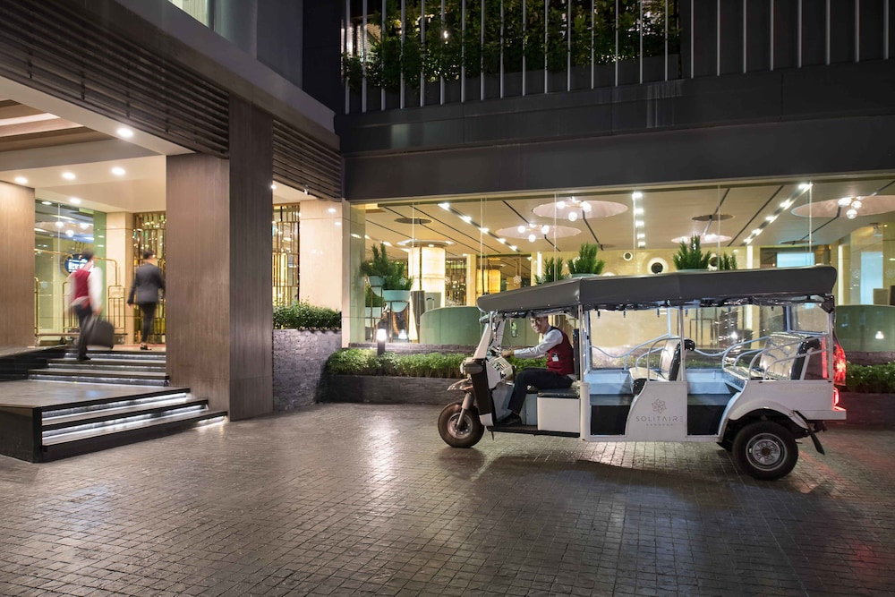 RV or Truck Parking, Solitaire Bangkok Sukhumvit 11