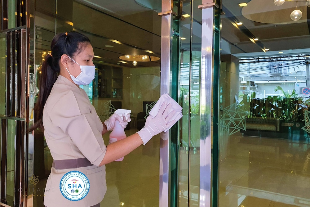 Property Entrance, Solitaire Bangkok Sukhumvit 11