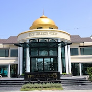 The Green View Hotel