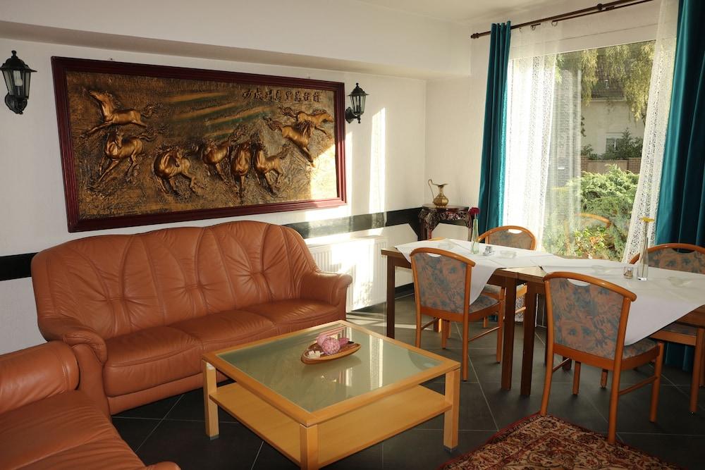 g nstige hotels in hemmingen niedersachsen buchen. Black Bedroom Furniture Sets. Home Design Ideas
