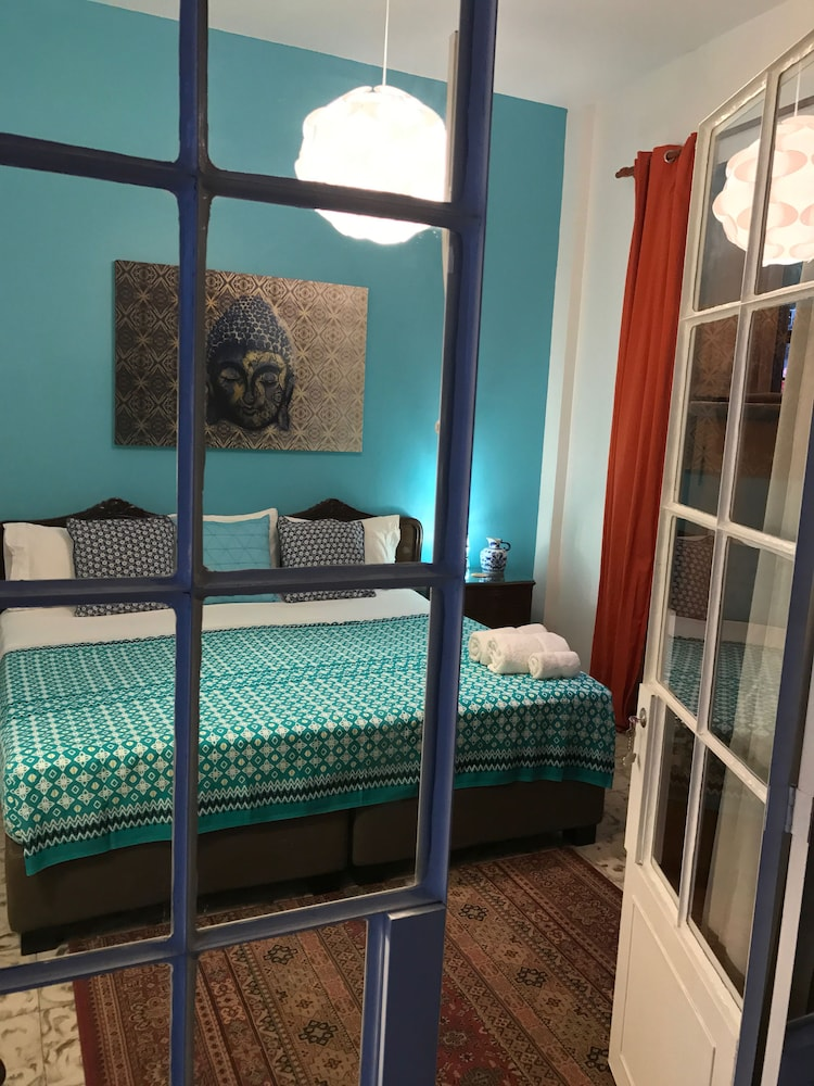 Magic Garden House 3 0 Out Of 5 City View Featured Image Guestroom
