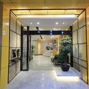 Solo Hotel Shuanglong Store