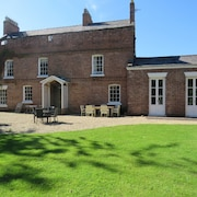 Little Mollington Hall