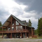 Outland Meadows Lodge Near Yellowstone Park. Your Dream Vacation!!