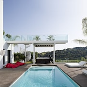 Extreme Luxury - Coolest Contemporary Villa !
