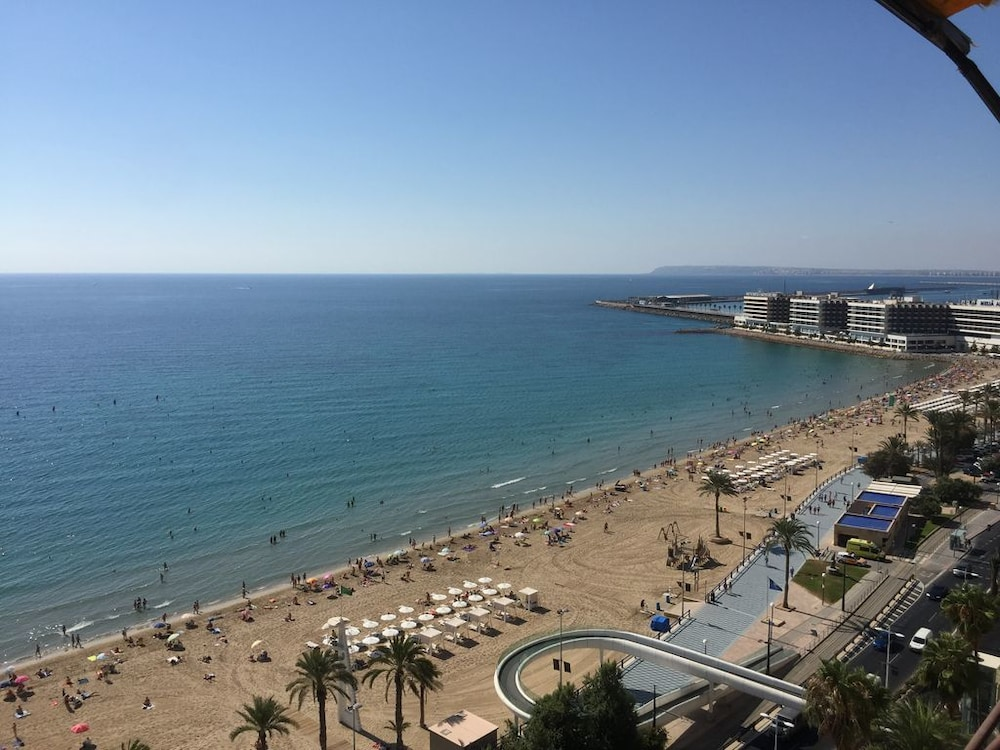 Luxury Seafront In Alicante Beach And Near To Everything