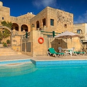 Gharb Villa, Private Gated Pool And Garden. Ideal For Families/romantic Get Away
