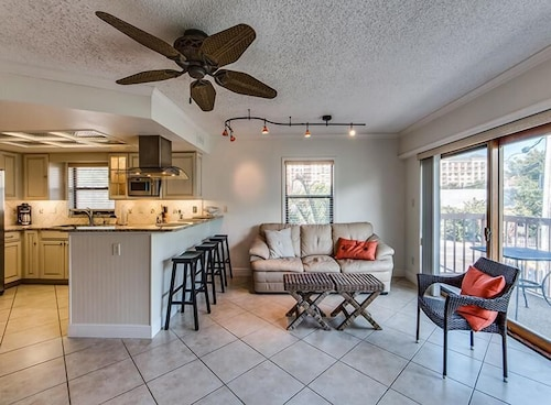 Great Place to stay East Shore Condo 479-2 by RedAwning near Clearwater Beach