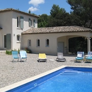 Villa With Swimming Pool Between Aix-en-provence and Marseille