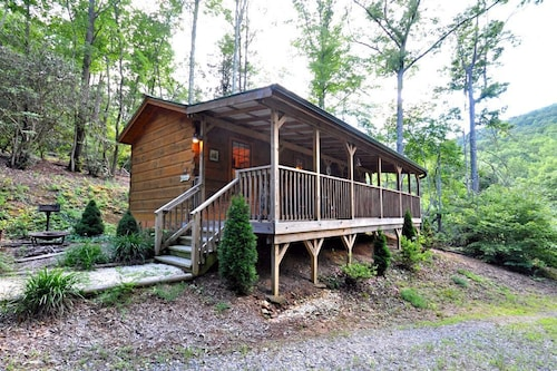 Check Expedia for Availability of Deer Run by RedAwning