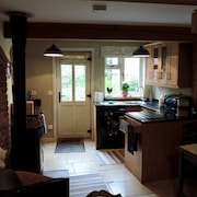 Hideaway Cottage With Log Stove, Central Beccles - Waveney Valley Near Lowestoft