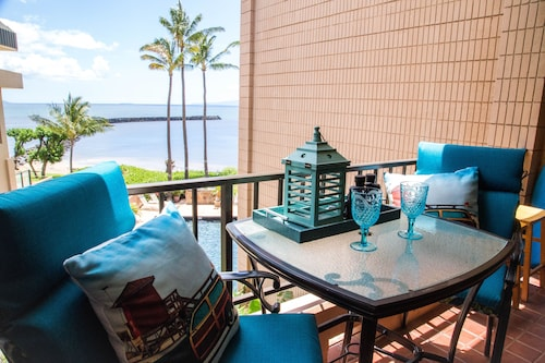 Maui Sublime Prime Ocean Front Remodel A/C Living Roommaalaea Yacht Marina 302