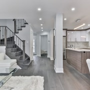 QuickStay - Classy 5brm House in Vaughan