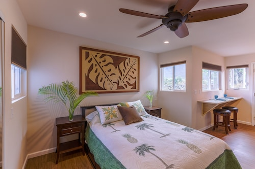 Tropical Beach Paradise Studio Cottage