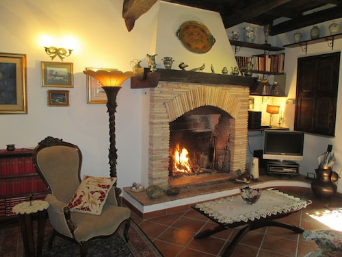 HOLIDAY HOUSES IN THE MEDIEVAL VILLAGE OF MAZZANO ROMANO - CASA LUISA