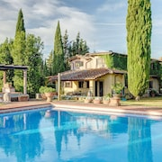 Villa L'abaco is Located in an Ancient Estate Surrounded by Tuscan Countryside