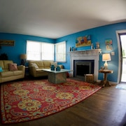 Cozy, Dog-friendly Duplex At The North End Short Walk To The Beach!