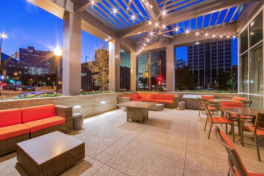 Terrace/Patio, Hampton Inn & Suites Fort Worth Downtown