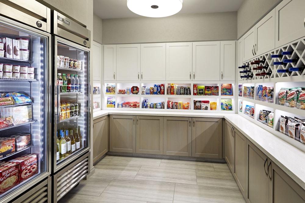 Snack Bar, Homewood Suites by Hilton Long Beach Airport