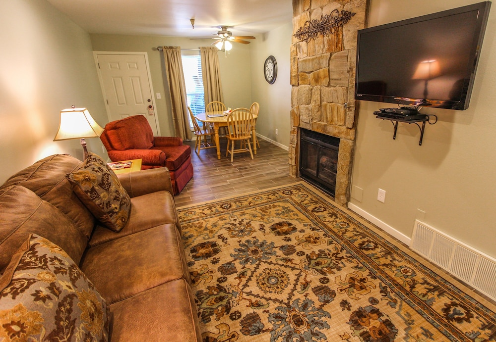 Living Area, Skiers Lodge