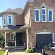 Aurora ~great Location!!! St. John Sr/bayview!!!!