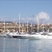 Apartment in Great Location Overlooking the Marina