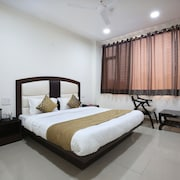 OYO Rooms 271 Phase 9 Industrial Area
