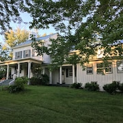 Hillandale Farmhouse Circa 1774 6 Bedrooms Sleeps 14 Newly Renovated