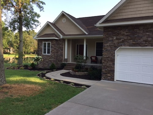 Great Place to stay Vacationers' Paradise Nestled in Nature With Water Views and Privacy near Carterville