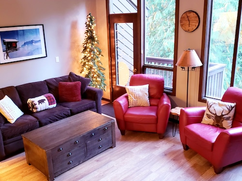 Light and Updated River Resort Condo at Mt. Baker: 2 Indoor Pools and Hot Tubs!