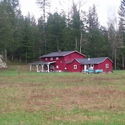 Large 5 Bedroom Farm House on Private 15 Acres