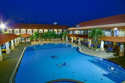 Homeland Resort