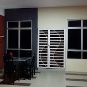 Rest Inn Mutiara at Homestay Gemas