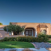 Scottsdale Luxury Home (2BR)