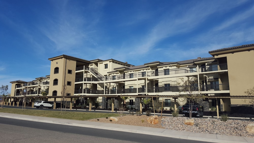 Exterior, Estancia Resort! New Beauty in St George With Heated Pool and Pickleball