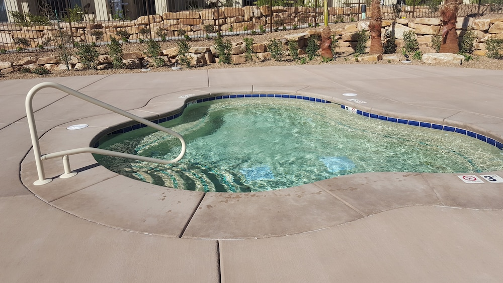 Spa, Estancia Resort! New Beauty in St George With Heated Pool and Pickleball